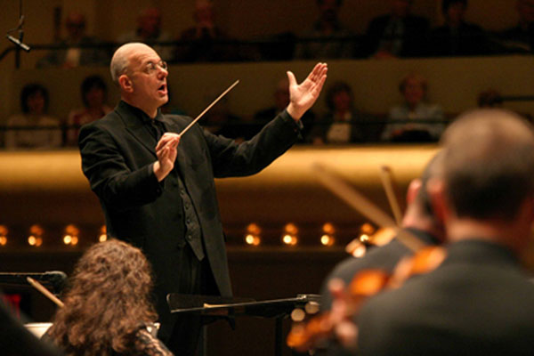 [American Symphony Orchestra] Leon Botstein conducts the American Symphony Orchestra. Photo by Steve Sherman.