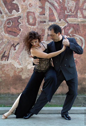 [Total Tango in the Spiegeltent An Evening of Dance and Performance with Maestros Gustavo Naveira and Giselle Anne] Photo by Carlos Vizzotto
