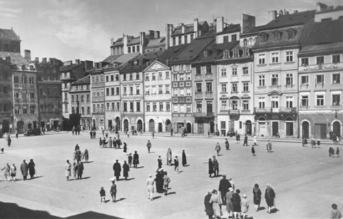 [Program OneThe Genius of Chopin] Rynek Starego Miasta; Wikimedia Commons