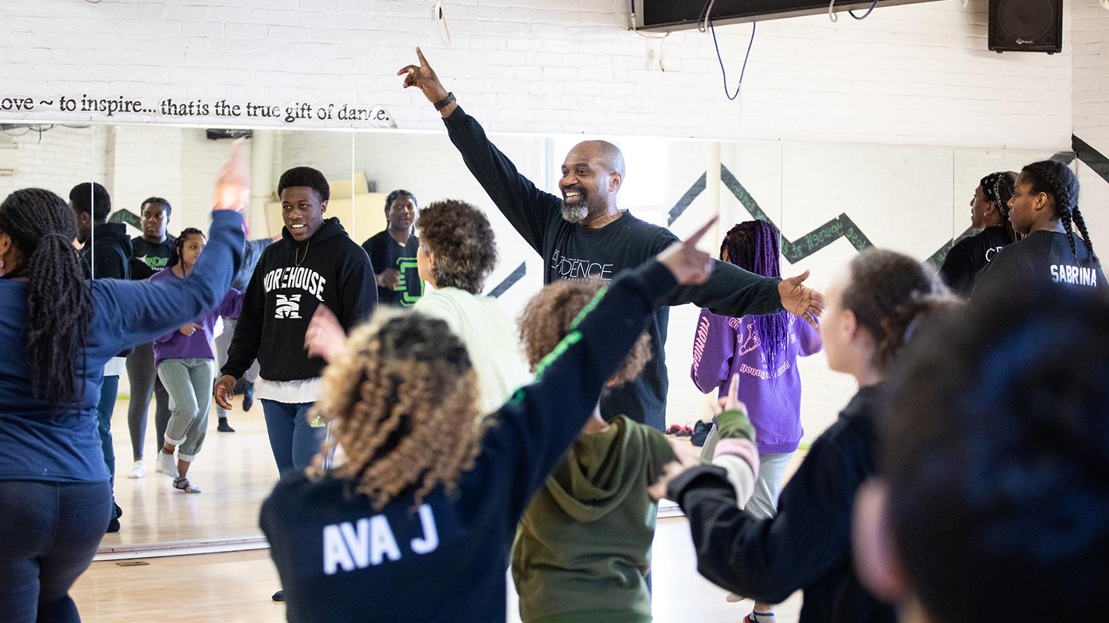 [Ronald K. Brown / EvidenceCommunity Dance Class] Photo by Chris Kayden