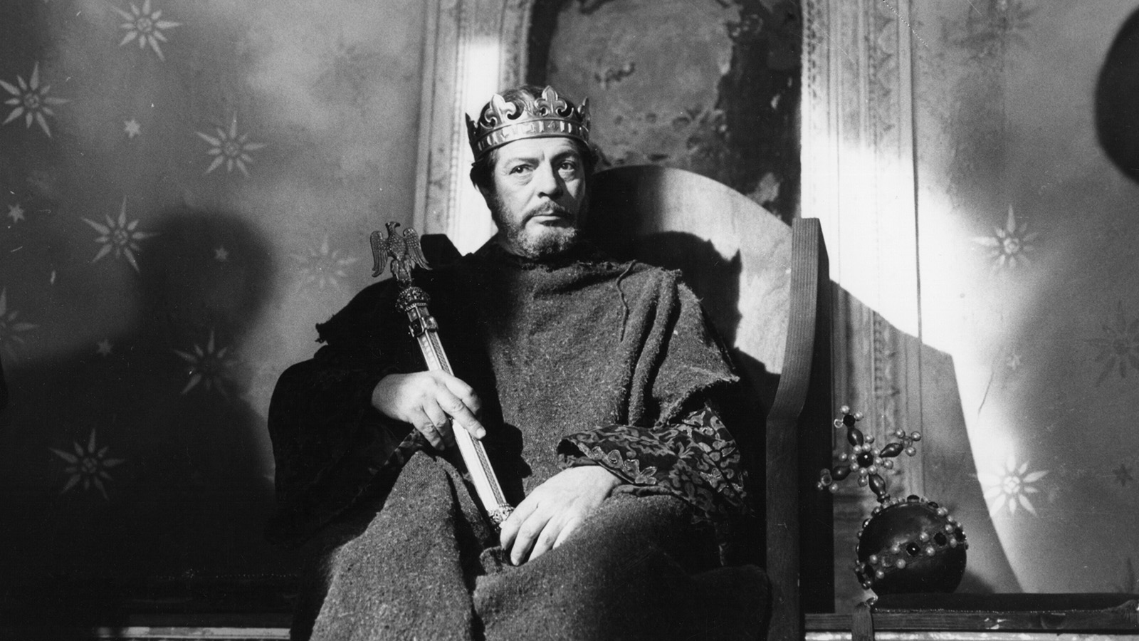 [Henry IV] Henry IV, 1984, ©Orion Classics/Photofest.