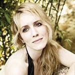 [Sara Jakubiak, soprano]