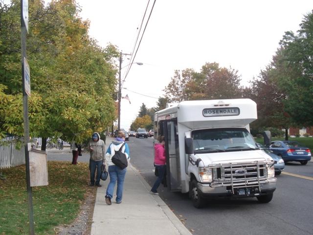 Una de las paradas del autobus de UCAT en New Paltz