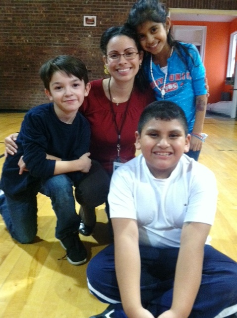 Tanya y algunos de sus estudiantes