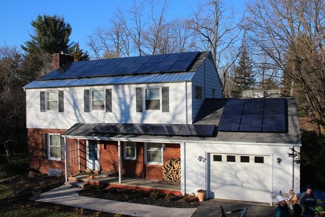 Los paneles solares instalados en la casa del autor