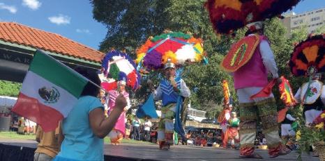 La Danza de la Pluma en La Guelaguetza 2016, Waryas Park, Poughkeepsie. Foto de Gerardo Fuentes Escalante