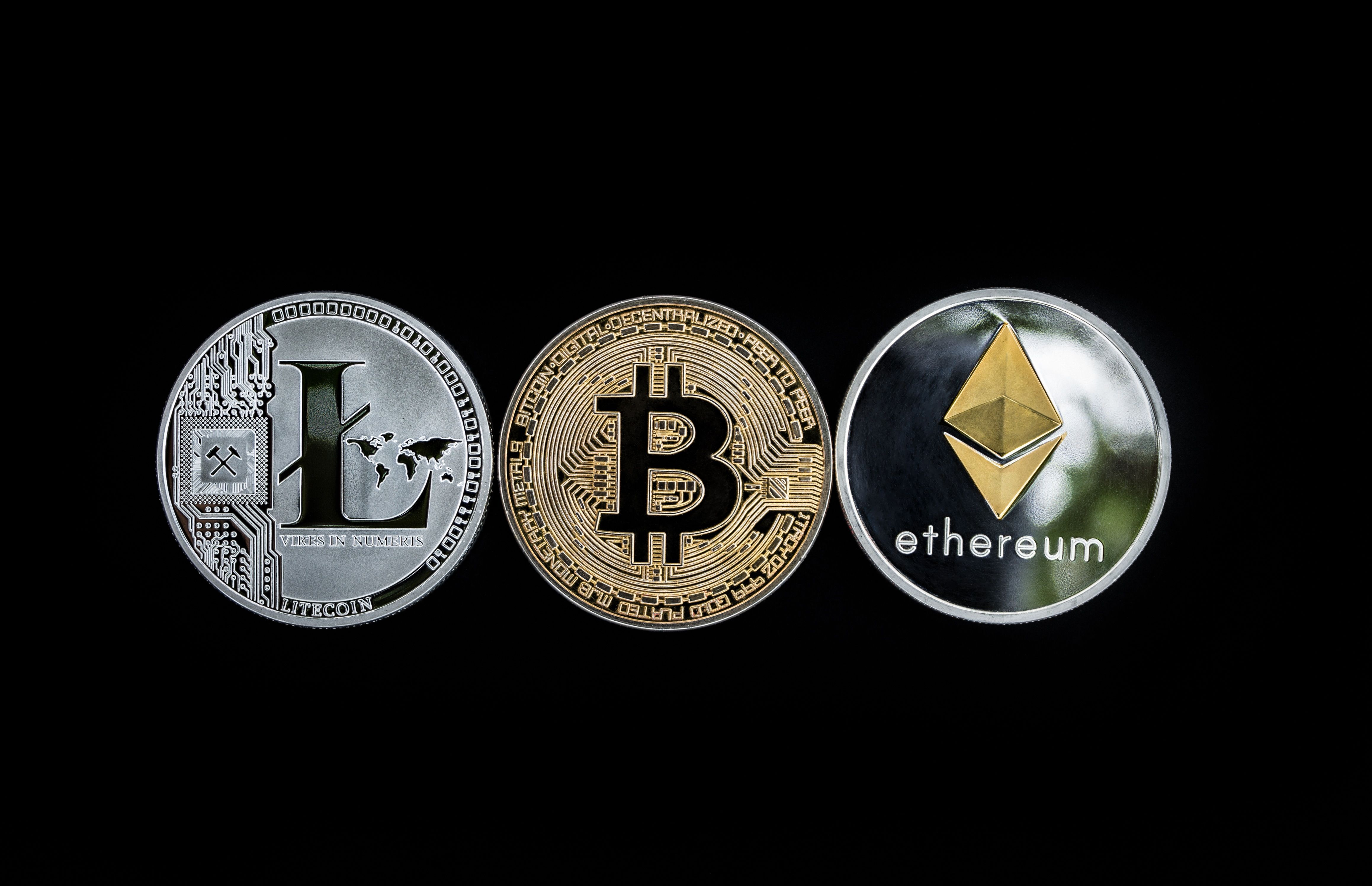 Bitcoin and Cryptocurrencies: Breaking Free from the Dollar?